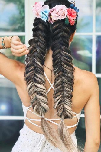 Popular Styles: Big Side Braid, Double Fishtail, And Full Crown Flowers #braids #longhair